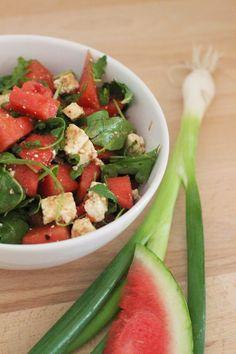 So ein freches Früchtchen! Frischer Melonen-Salat mit Feta und Rucola | girlontravel