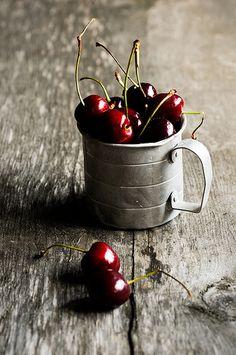 lindasinklings: Una taza de cerezas.  El fotógrafo Michael Grayson ... (por digimono (Muy Lejos))