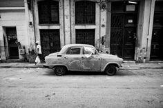 Rusty Car, Havana, 2013 by Ren Bostelaar