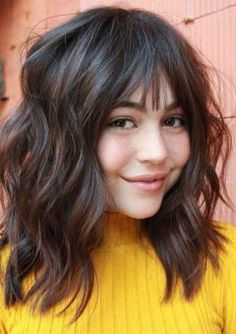 20 Stunning Layered Haircuts With Bangs Girls Haircuts With Layers, Haircuts For Wavy Hair, Short Layered Haircuts, Short Bob Haircuts, Girl Haircuts, Curly Bob Hairstyles, Hairdos, Straight Hairstyles, Medium Hair Cuts