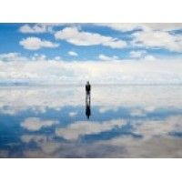The Uruni Salt Flats in Bolivia is the largest salt flat in the world and its large, reflective surface creates beautiful, surreal landscapes that look like heaven on earth.  Click through these amazing photos to see why the Uruni Salt Flats is considered one of the most gorgeous places on the planet!