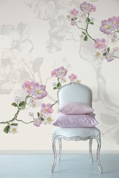 ♔ Floral wall decor and the chair are picture perfect! Home Interior, Interior And Exterior, Interior Decorating, Wallpaper Wall, Pink Wallpaper, Botanical Wallpaper, Flower Wallpaper, Wallpaper Awesome, Shabby Chic Wallpaper