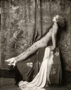 Ziegfeld girl Drucilla Strain by Alfred Cheney Johnston, ca. 1928