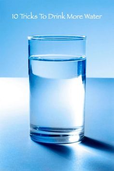 Drinking enough water every day is essential for a healthy liver, and keeps your whole body functioning at peak performance. Water makes up about 60 percent of your physical composition, and is vital . Home Remedies For Gas, Gas Remedies, Natural Remedies, Healthy Liver, Healthy Eating, Healthy Food, Water Fasting, Drink More Water, Weights For Women