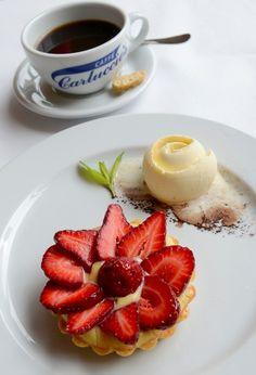 Carluccio's TORTA DI FRUTTA