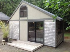 Man built a tiny house, where one can find all what is needed. All in 26 Square meters!