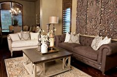 LIVING ROOM DECORATING IDEAS - Warm living room of taupes and browns