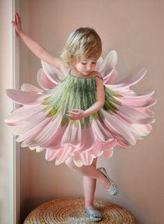 Si je devais une fille, je dois lui donner assez petite robe à porter