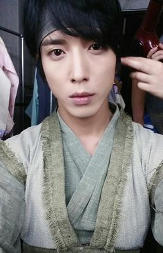 Yonghwa preparing for Three Musketeers