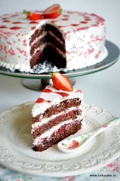 Strawberry and mascarpone cake Romanian Desserts, Romanian Food, Lucky Cake, Mousse, Mascarpone Cake, Swiss Meringue Buttercream, Food Cakes, Cookie Recipes, Food To Make