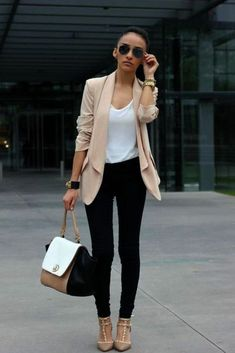 are jeans business casual best outfits - Page 2 of 8 - business . Woman Jeans are jeans business casual for a woman Are Jeans Business Casual, Classy Business Outfits, Business Outfit Frau, Business Dress, Business Mode, Classy Work Outfits, Business Casual Dresses, Office Outfits, Cool Outfits