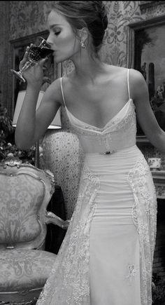 Delicate 1940s dress