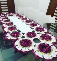 Novos modelos de caminho de mesa de crochê, rosa enrolada... Inspire-se