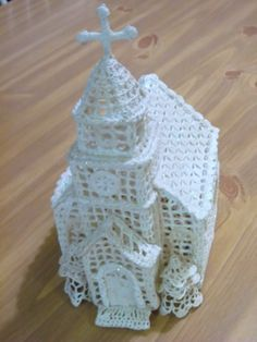 vintage Stiffened Winter Church Crochet