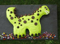 Delight dinosaur lovers with a cake thats made easier with Betty Crocker® cake and frosting. a href=http://www.bettycrocker.com/~/media/Files/PDF/Cake-Templates/Rex-Cake.pdfPrint out this template/a and use it as a guide to cutting and assembling your dinosaur.