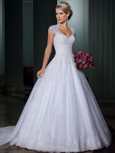 vestido com calda de renda casamento - Pesquisa Google