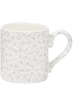 Decorated in a pretty ditsy floral print, this elegant Burleigh Calico mug boasts a classic design with a chunky handle for ultimate comfort.