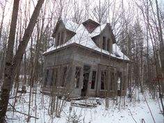Abandoned house in the woods, Bethlehem, NH