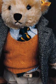 The University Bear, Steiff RL Polo Bear, 2001 #47 of 800. Perfectly minaturized wool herringbone blazer, cable cashmere sweater, rep tie, stripe oxford, chinos, and engine-turned buckle belt.