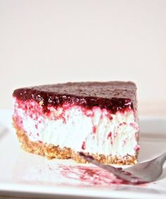 Gluten-Free No-Bake Greek Yogurt and Berry Cheesecake