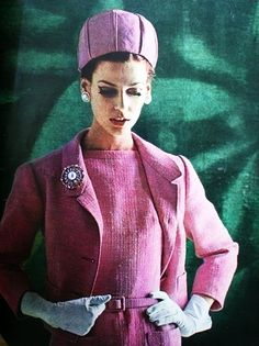Marie Claire France March 1962  Jacques Heim  Photo by Yurek. Pillbox hat, favored by Jacqueline Kennedy.
