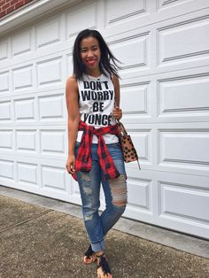 don't worry beyonce shirt, concert outfit, what to wear, distressed jeans, buffalo plaid shirt, pattern mixing, kendra scott necklace, fringe sandals, red lipstick, colourpop creeper, beyhive // what nicole wore: a louisville style blog