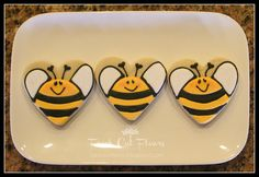 """Wouldn't these be cute for """"Thanks for bee-ing a great teacher"""" cookies! AND double bonus for using a standard heart shaped cookie cutter! Bee Cookies, Fancy Cookies, Easter Cookies, Cupcake Cookies, Cupcakes, Cookie Favors, Flower Cookies, Christmas Cookies, Heart Cookie Cutter"""