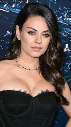 Mila Kunis Pics, Mila Kunis Style, Beautiful Celebrities, Beautiful Actresses, Gorgeous Women, Beauty Full Girl, Beauty Women, Non Blondes, Brunette Beauty