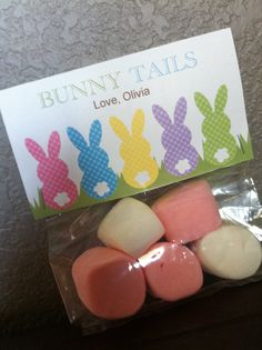 Easter BUNNY TAILS bag topper!  Fill with marshmallows, powdered donut holes or even cotton candy!  great Easter favors for school, daycare, students, teachers, etc.