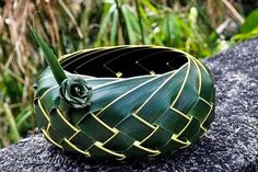 Handmade with coconut leaves Flax Weaving, Willow Weaving, Basket Weaving, Origami, Coconut Leaves, Flax Flowers, Leaf Projects, Leaf Crafts, Bamboo Crafts