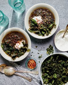 Topped with crispy kale chips and lemony yogurt, it's the ultimate way to usher in soup season. Vegetarian Lentil Soup, Lentil Soup Recipes, Lentil Kale Soup, Chili Recipes, Easy Recipes, Diet Recipes, Vegetarian Recipes, Cooking Recipes, Korma