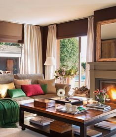 Spanish interior design in modern classic style with beautiful old furniture and linen accents. Table Decor Living Room, Living Room Lighting, Living Rooms, Best Interior Design, Interior Decorating, Romantic Living Room, Spanish Interior, Decoration For Ganpati, Interior Window Shutters