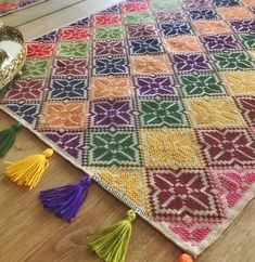 Traditional runner table cloth pattern with Mabel Matiz style rug pattern Silk Ribbon Embroidery, Hand Embroidery, Cross Stitch Designs, Cross Stitch Patterns, Cross Stitching, Cross Stitch Embroidery, Cross Stitch Geometric, Cross Stitch Cushion, Palestinian Embroidery