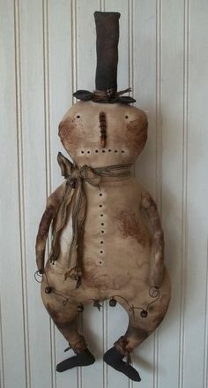 Primitive Grungy Snowman Christmas Doll & Garland of Rusty Jingle Bells & Stars in Primitives Primitive Christmas Crafts, Prim Christmas, Primitive Snowmen, Primitive Folk Art, Snowman Crafts, Country Christmas, Primitive Decor, Winter Christmas, Xmas