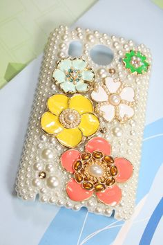 Handmade Htc Desire HD A9191 / AT Htc Inspire 4G case pearl  Crystal Rhinestone. $23.00, via Etsy.