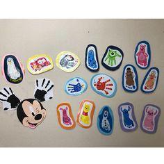 yuumi💜さんはInstagramを利用しています:「1歳児クラスの子達15人の 手と足でディズニーの手足型アートを作成!! 重い愛情しかこもってない! 15もキャラクターつくれないよ!! と思いながらできたからみんな褒めて!❤️ ラミネートして子どもたちに最後にプレゼントしたよ。 みんなも子どもできたらやってあげるね?← 。…」 Daycare Crafts, Toddler Crafts, Footprint Art, Diy Crafts, Activities, Birthday, Disney, Yahoo, Instagram