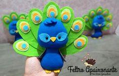 Rakhi Design, Felt Kids, Dream Catcher Mobile, Felt Christmas Ornaments, Everything Pink, Felt Hearts, Animal Crafts, Xmas Crafts, Felt Animals