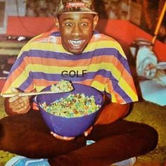 member of odd future eating cereal Logo Fleur, Tyler The Creator Wallpaper, Odd Future, Flower Boys, Golf Fashion, Trap, Mood Pics, Reaction Pictures, Wall Collage