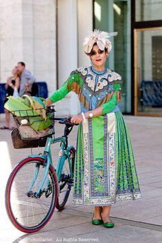 Tziporah Salamon always cycles in style.