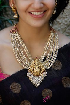 Mother of Pearl - House of Ayana Antique Jewellery Designs, Indian Jewellery Design, Indian Jewelry, Designer Jewellery, Designer Wear, Hyderabadi Jewelry, Pearl Necklace Designs, Gold Necklace, Gold Temple Jewellery