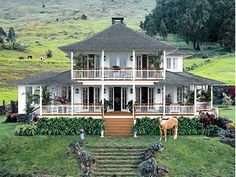 Luxury-Oprah's-House-Design in Hawaii Maui Kaanapali Villas, Hawaiian Homes, Romantic Homes, Luxury Homes Interior, Celebrity Houses, Cottage Homes, Cottage Style, My Dream Home, House Tours