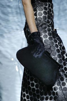 Marc Jacobs Fall 2011 Ready-to-Wear Fashion Show Details