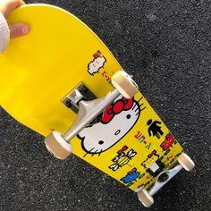 Skateboard Deck Art, Skateboard Pictures, Skateboard Design, Aesthetic Indie, Aesthetic Vintage, Sanrio Hello Kitty, Skate Girl, Skate Style Girl, Skate Photos