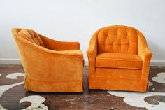Chic And Comfy Vintage Pair Of Tub Chairs On Casters With Swooping Arms  That End In
