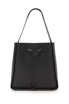 shoulder bags: things I think are really pretty but would never really wear unless they came in an equivalent crossbody form