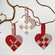 http://www.cchobby.nl/idee/12531-gevlochten-kerstharten.aspx