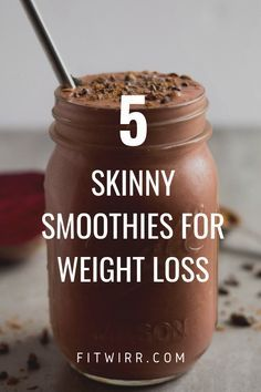 5 Best Smoothie Recipes for Weight Loss. 5 Skinny smoothies for weight loss. 5 delicious and nutrient rich smoothie recipes for weight loss. Begin your day with one of these weight loss drinks to quell hunger and rev your metabolism. Smoothie Detox Plan, Juice Smoothie, Smoothie Drinks, Detox Drinks, Healthy Coffee Smoothie, Healthy Morning Smoothies, Healthy Chocolate Smoothie, Chocolate Protein Shakes, Healthy Peanut Butter Smoothie