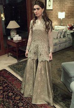 Noor Monnoo rocking in faraz Manan Pakistani couture Nikkah Dress, Pakistani Formal Dresses, Shadi Dresses, Pakistani Wedding Outfits, Pakistani Dress Design, Indian Dresses, Eastern Dresses, Pakistani Couture, Latest Pakistani Fashion