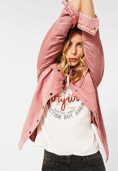 Graphic Tank, Graphic Sweatshirt, Mode Blog, Trends, Rain Jacket, Windbreaker, T Shirts For Women, Tank Tops, Sweatshirts