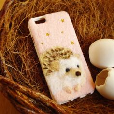 冬天就需要暖暖的兔兔來陪伴!每款都萌翻人的動物毛毛手機殼 | from_egg、羊毛氈、手機殼、兔兔、刺蝟 | 手機小姐 | 妞新聞 niusnews